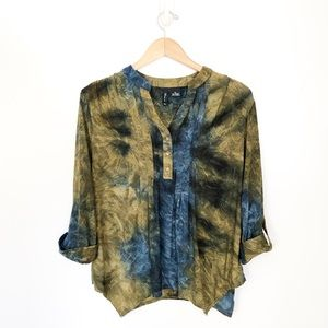 New Directions Petite Blue Green Tie Dye Blouse LP